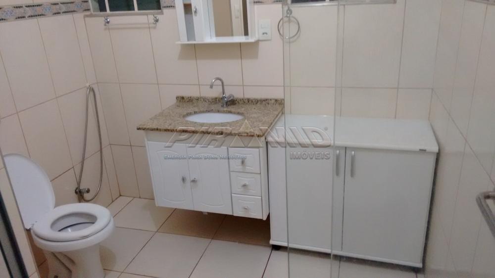Alugar Casa / Padrão em Ribeirão Preto R$ 1.800,00 - Foto 11