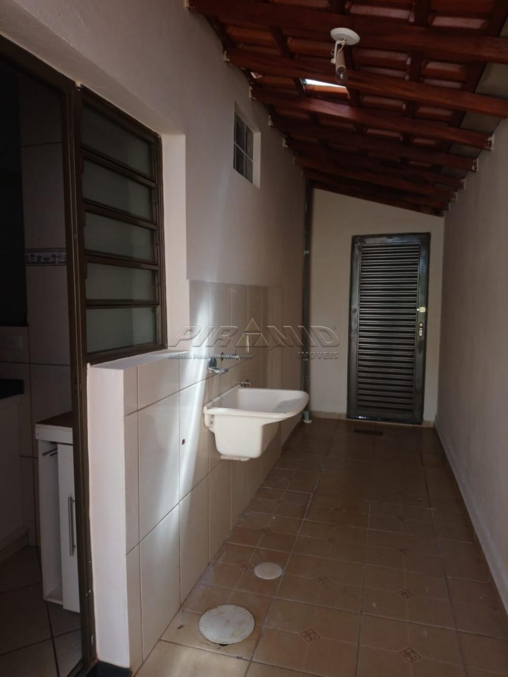 Alugar Casa / Padrão em Ribeirão Preto R$ 1.100,00 - Foto 14