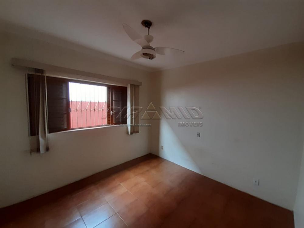Alugar Casa / Padrão em Ribeirão Preto R$ 900,00 - Foto 4