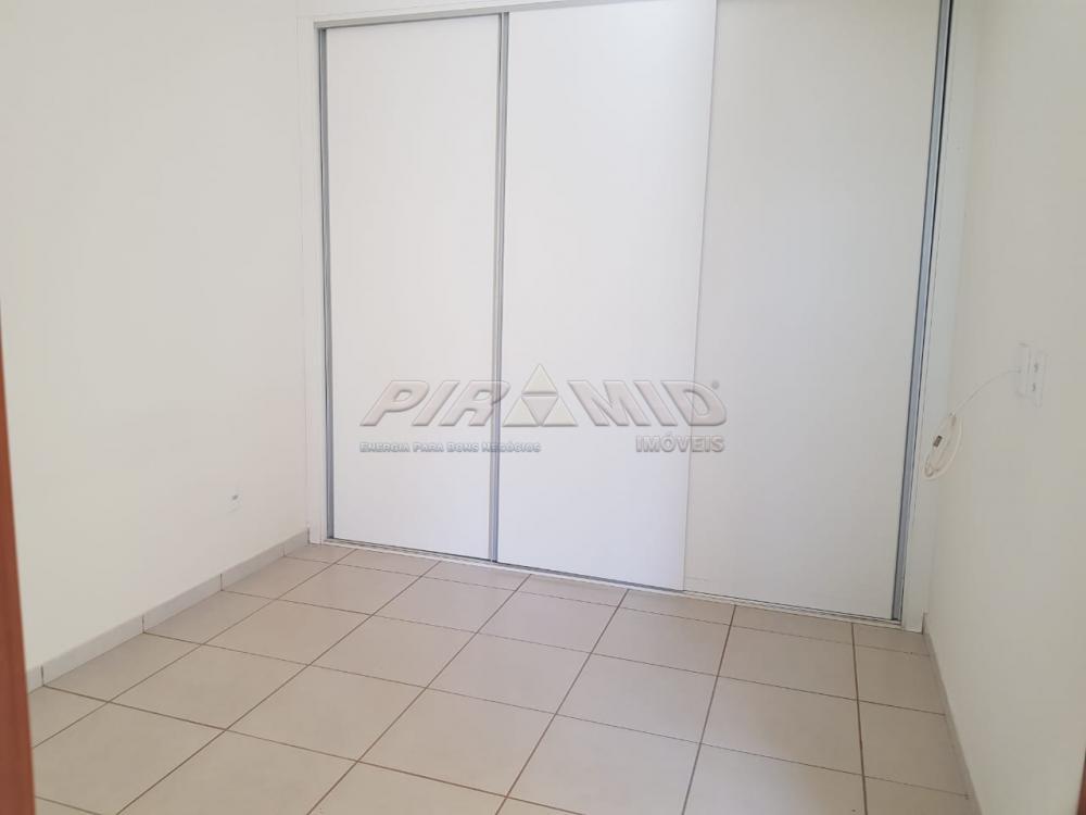 Alugar Apartamento / Padrão em Ribeirão Preto R$ 720,00 - Foto 2