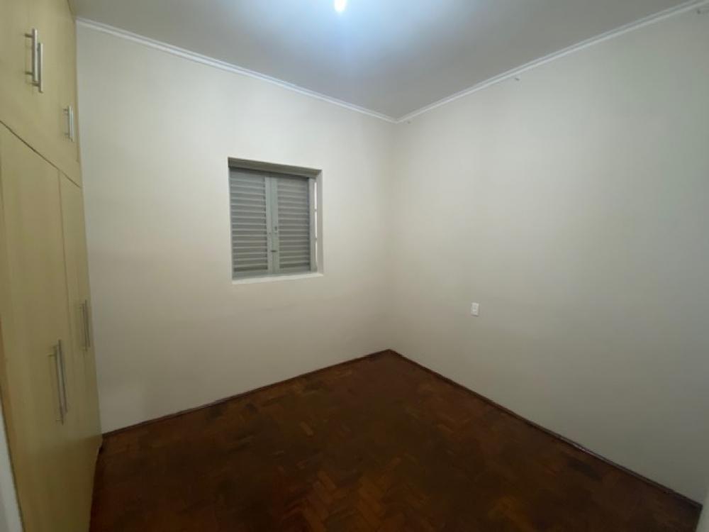 Alugar Casa / Padrão em Ribeirão Preto R$ 1.100,00 - Foto 4