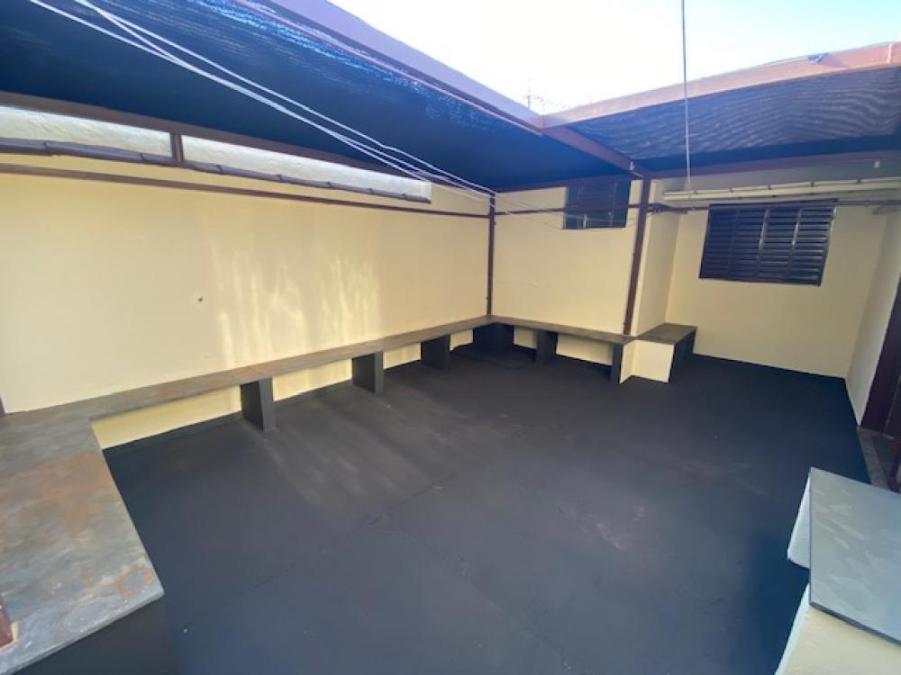 Alugar Casa / Padrão em Ribeirão Preto R$ 1.100,00 - Foto 15