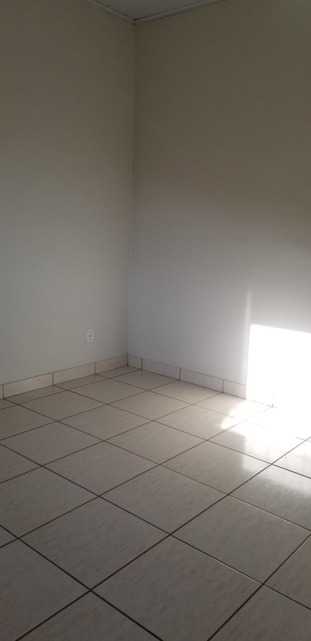 Alugar Casa / Padrão em Ribeirão Preto R$ 700,00 - Foto 8