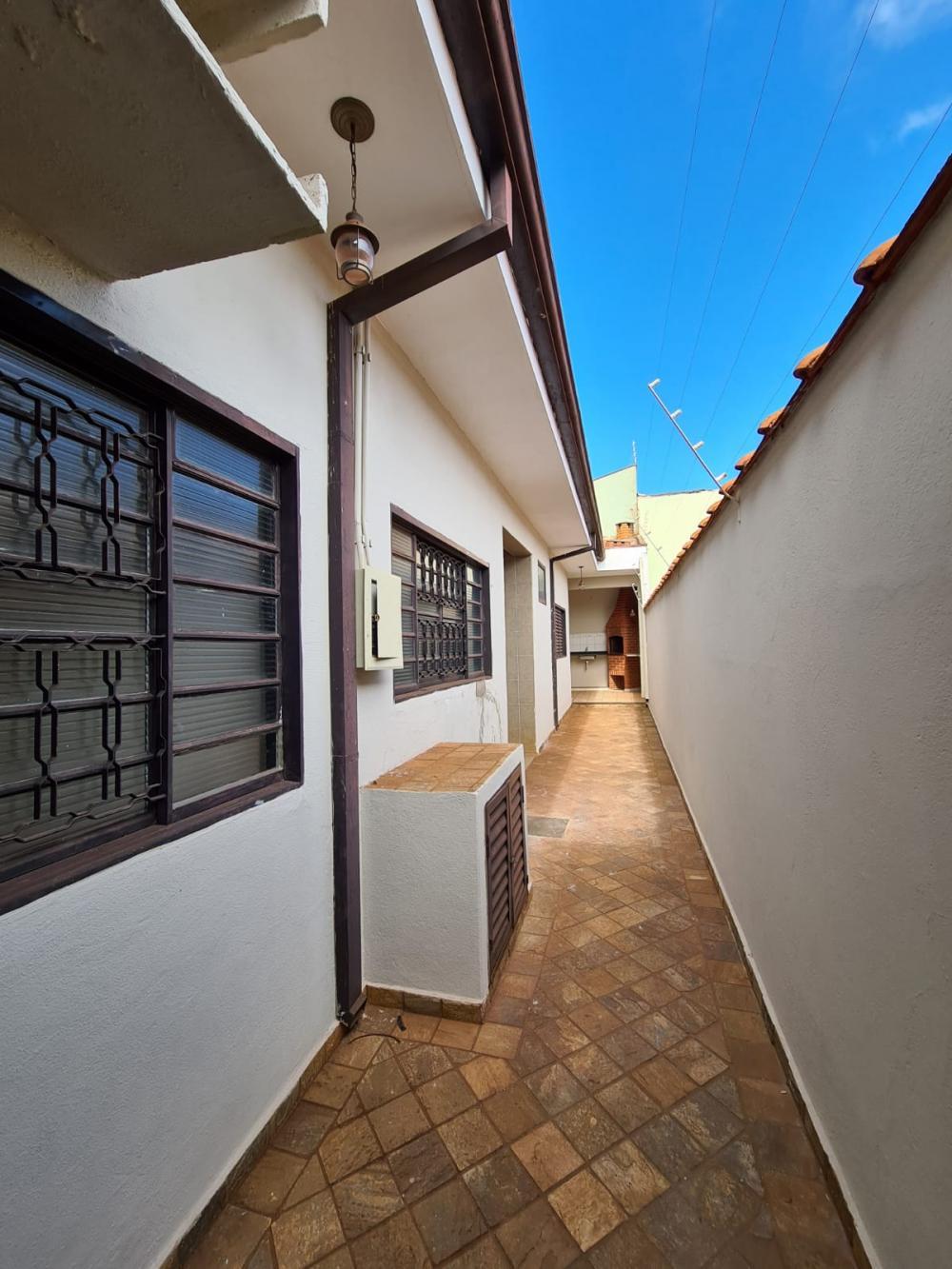 Alugar Casa / Padrão em Ribeirão Preto R$ 1.600,00 - Foto 22
