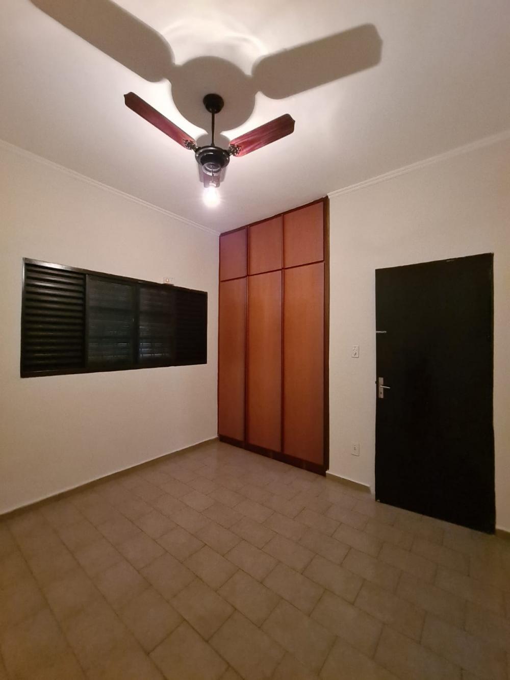 Alugar Casa / Padrão em Ribeirão Preto R$ 1.600,00 - Foto 30