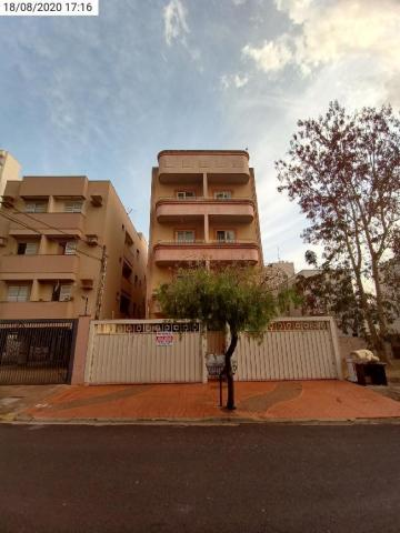 Alugar Apartamento / Padrão em Ribeirão Preto. apenas R$ 700,00