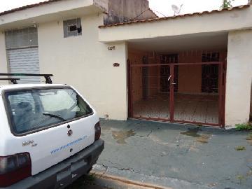Alugar Casa / Padrão em Ribeirão Preto. apenas R$ 770,00