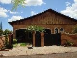 Alugar Casa / Padrão em Guará. apenas R$ 1.500.000,00