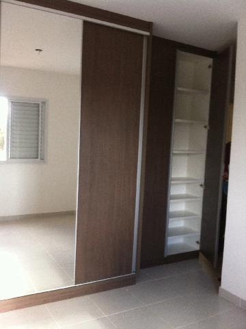 Apartamento / Padrão em Ribeirão Preto Alugar por R$1.900,00