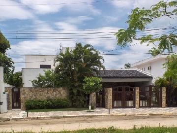 Guaruja Balneario Praia do Pernambuco Casa Venda R$970.000,00 3 Dormitorios 5 Vagas Area do terreno 685.00m2 Area construida 301.00m2