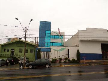 Alugar Comercial / Prédio em Ribeirão Preto. apenas R$ 4.000,00