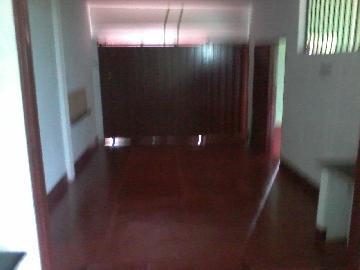 Alugar Casa / Padrão em Ribeirão Preto. apenas R$ 500,00