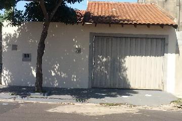 Alugar Casa / Padrão em Ribeirão Preto. apenas R$ 730,00