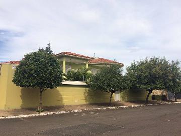 Brodowski Centro Casa Venda R$850.000,00 3 Dormitorios 3 Vagas Area do terreno 625.00m2