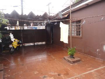 Alugar Casa / Padrão em Ribeirão Preto. apenas R$ 297.000,00