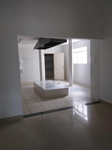 Alugar Comercial / Salão em Ribeirão Preto R$ 10.000,00 - Foto 16