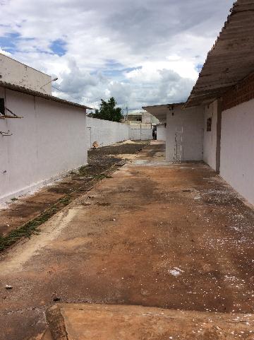 Sertaozinho Centro Salao Locacao R$ 22.000,00  10 Vagas Area do terreno 2800.00m2 Area construida 2800.00m2