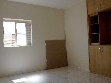 Alugar Apartamento / Padrão em Ribeirão Preto. apenas R$ 560,00