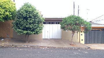 Alugar Casa / Padrão em Ribeirão Preto. apenas R$ 175.000,00