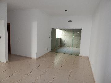 Alugar Apartamento / Padrão em Ribeirão Preto. apenas R$ 1.100,00
