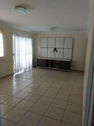 Alugar Apartamento / Padrão em Ribeirão Preto. apenas R$ 370.000,00