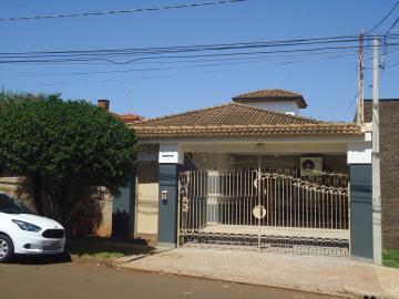 Casa / Padrão em Ribeirão Preto Alugar por R$5.500,00