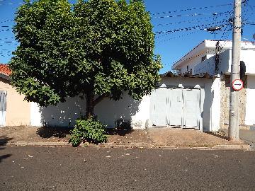 Alugar Casa / Padrão em Ribeirão Preto. apenas R$ 600,00