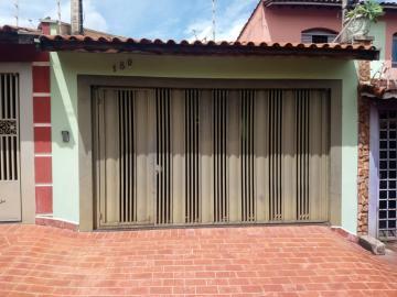Alugar Casa / Padrão em Ribeirão Preto R$ 1.100,00 - Foto 1