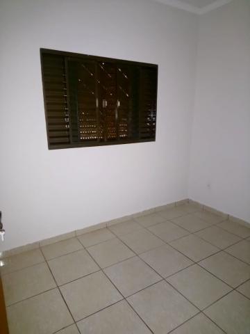 Alugar Casa / Padrão em Ribeirão Preto R$ 1.100,00 - Foto 9