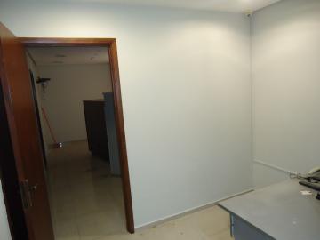 Comercial / Sala em Ribeirão Preto Alugar por R$700,00