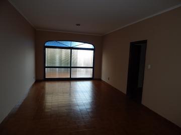 Apartamento / Padrão em Ribeirão Preto Alugar por R$800,00