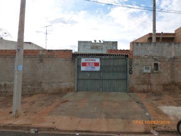 Casa / Padrão em Ribeirão Preto Alugar por R$600,00