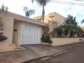 Alugar Casa / Condomínio em Ribeirão Preto. apenas R$ 250.000,00