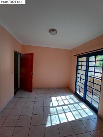 Alugar Apartamento / Padrão em Ribeirão Preto R$ 675,00 - Foto 1