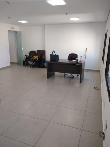 Comercial / Sala em Ribeirão Preto Alugar por R$1.200,00
