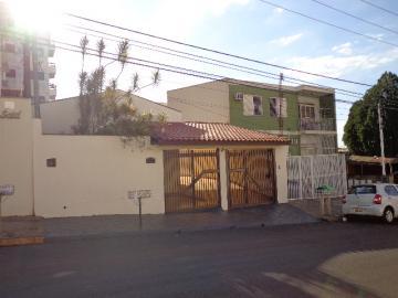 Casa / Padrão em Ribeirão Preto Alugar por R$1.820,00