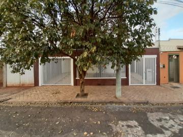 Casa / Padrão em Ribeirão Preto Alugar por R$1.300,00