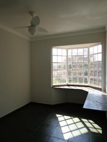Apartamento / Padrão em Ribeirão Preto Alugar por R$360,00
