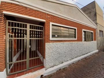 Casa / Padrão em Ribeirão Preto Alugar por R$700,00