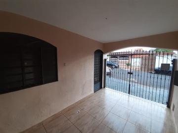 Alugar Casa / Padrão em Ribeirão Preto R$ 800,00 - Foto 2