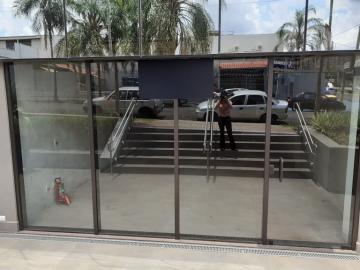 Alugar Comercial / Sala em Ribeirão Preto. apenas R$ 5.000,00