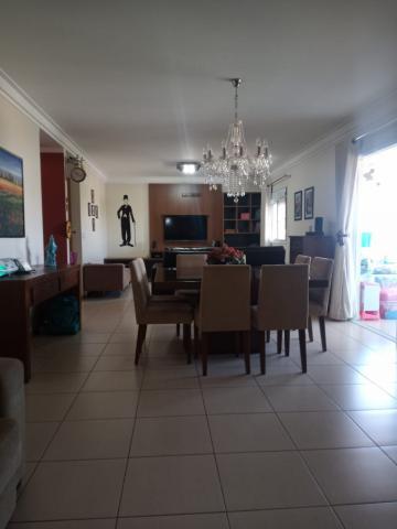 Apartamento / Padrão em Ribeirão Preto Alugar por R$4.400,00
