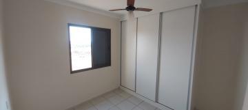 Alugar Apartamento / Padrão em Ribeirão Preto R$ 1.700,00 - Foto 8