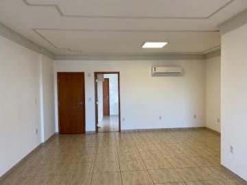 Alugar Apartamento / Padrão em Ribeirão Preto. apenas R$ 2.850,00