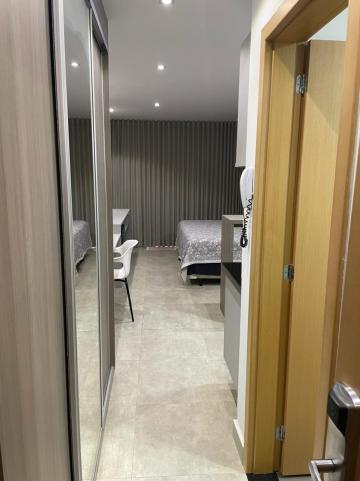 Alugar Apartamento / Flat em Ribeirão Preto R$ 1.750,00 - Foto 1