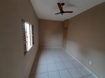 Alugar Casa / Padrão em Ribeirão Preto R$ 800,00 - Foto 7