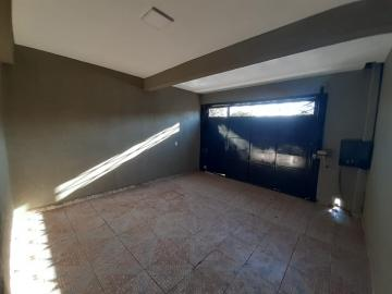 Alugar Casa / Padrão em Ribeirão Preto R$ 950,00 - Foto 2