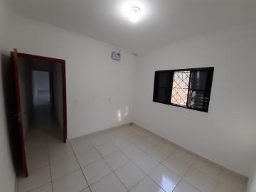 Alugar Casa / Padrão em Ribeirão Preto R$ 950,00 - Foto 11