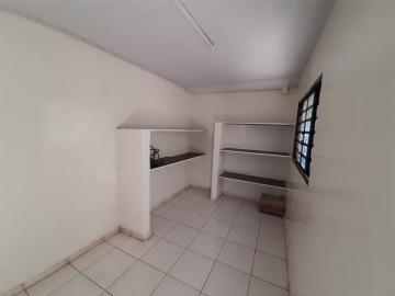 Alugar Casa / Padrão em Ribeirão Preto R$ 950,00 - Foto 18