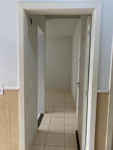 Alugar Apartamento / Padrão em Ribeirão Preto R$ 730,00 - Foto 2